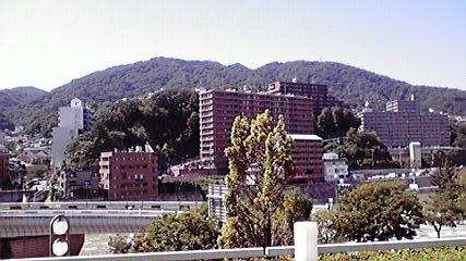宝塚阪急、山.jpg