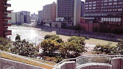 宝塚阪急、川.jpg